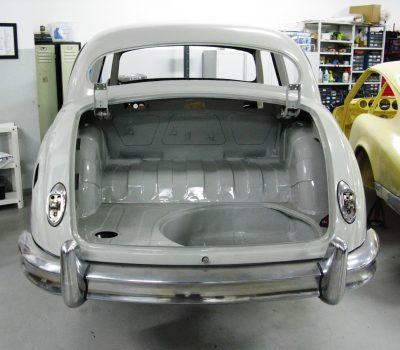 Jaguar MKI 1956 Pearl Grey Traseira