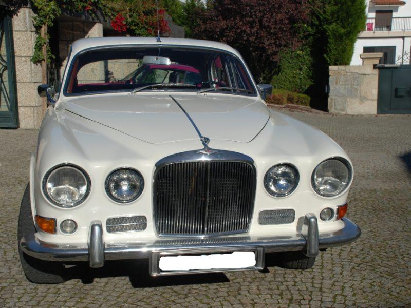 Jaguar 420 Frente