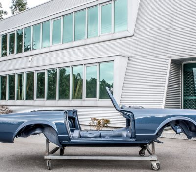 Mercedes-Benz 280SL Pagoda 1970 Blue Chassis