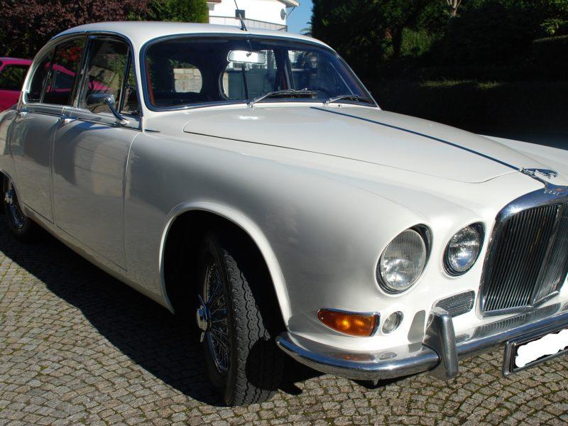 Jaguar MK 420 Frente