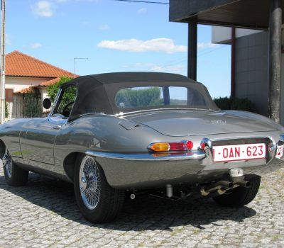 Jaguar E-Type Series I OTS 1965 Opalescent Silver Grey Left Back