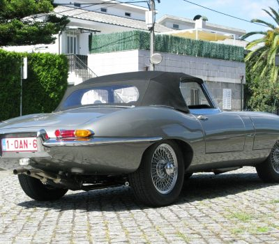 Jaguar E-Type Series I OTS 1965 Opalescent Silver Grey Right Back