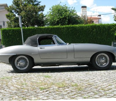 Jaguar E-Type Series I OTS 1965 Opalescent Silver Grey Left Side