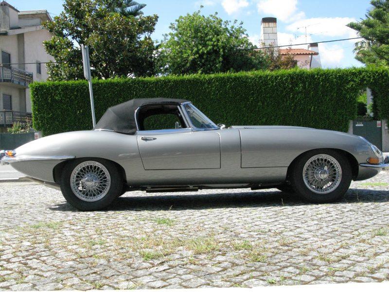 Jaguar E-Type Series I OTS 1965 Opalescent Silver Grey Left Side