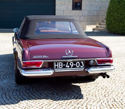 Mercedes-Benz 230SL Pagoda 1965 Bordeaux Back