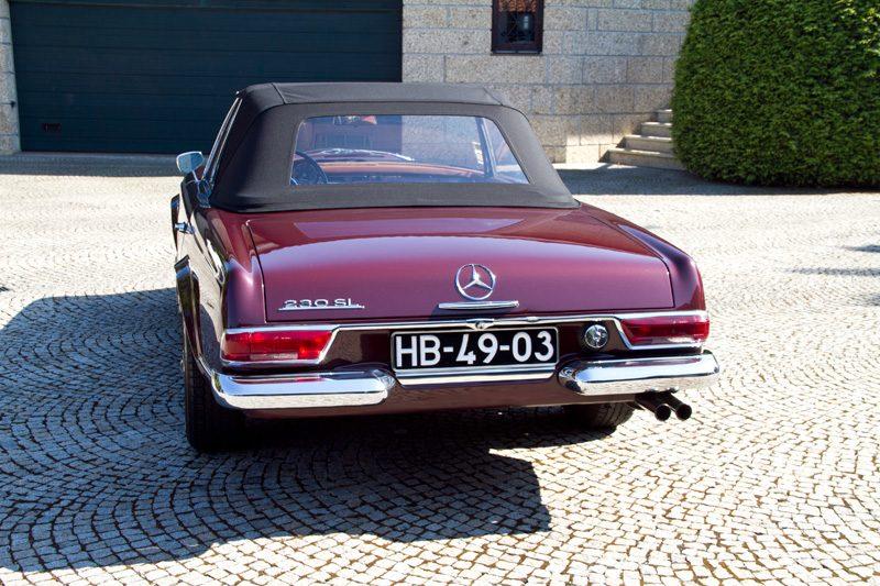 Mercedes-Benz 230SL Pagoda 1965 Bordeaux Back