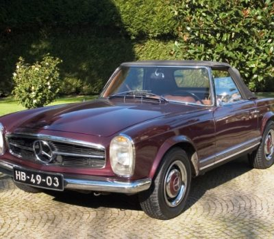 Mercedes-Benz 230SL Pagoda 1965 Bordeaux Front Left
