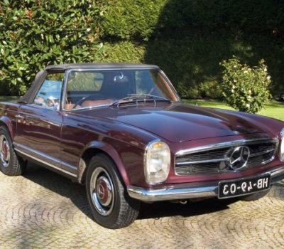 Mercedes-Benz 230SL Pagoda 1965 Bordeaux Front Right