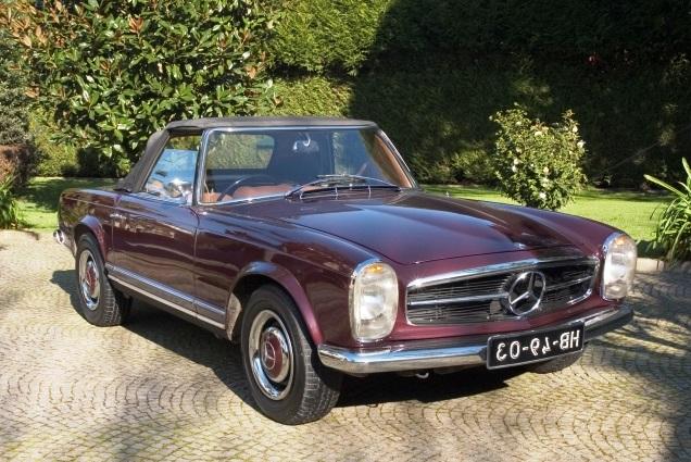 Mercedes-Benz 230SL Pagoda 1965 Bordeaux Front Right
