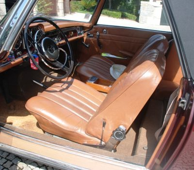 Mercedes-Benz 230SL Pagoda 1965 Bordeaux Front Seats