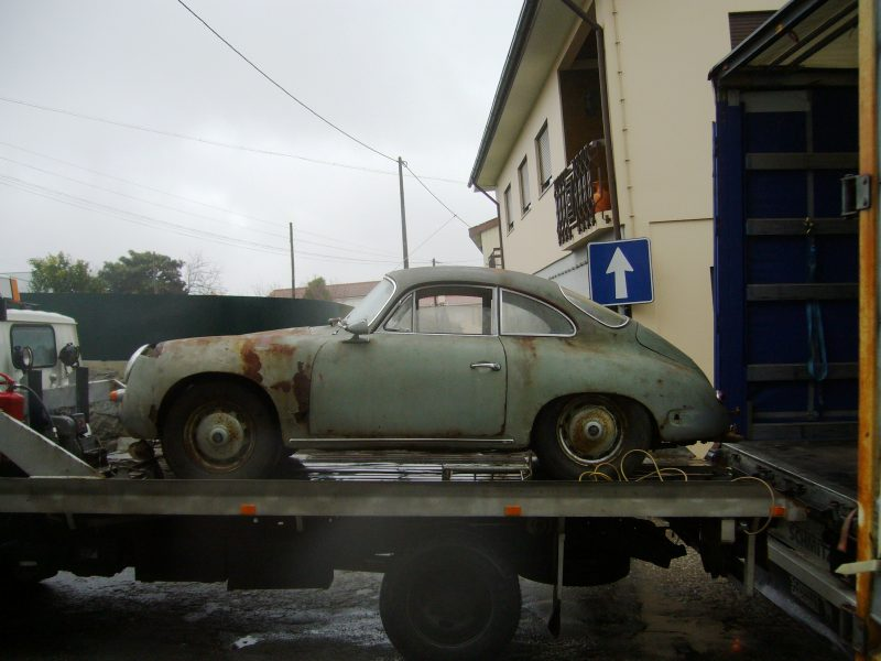 Porsche 356B T6 1962 Damaged Body Truck