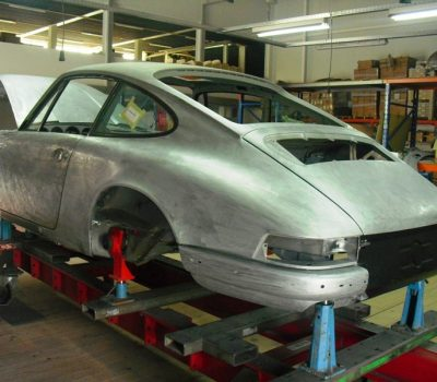 Porsche 911T 1971 White Body Repair Back