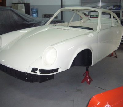 Porsche 911T 1971 White Painting Front