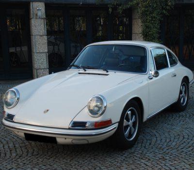 Porsche 912 Karmann Coupé 1968 White Front Left
