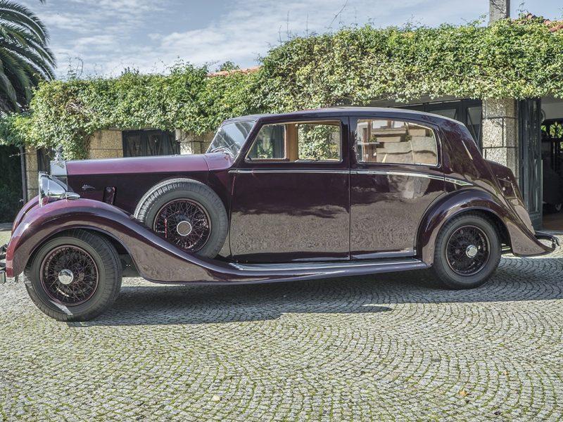 Rolls Royce Wraith 1938 Bordeaux Left Side