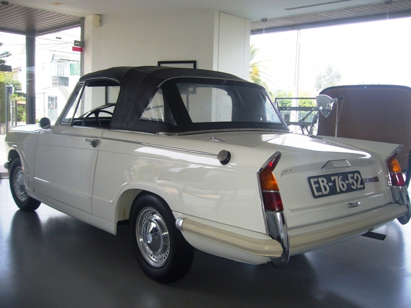Triumph Herald 1971 White Back Left