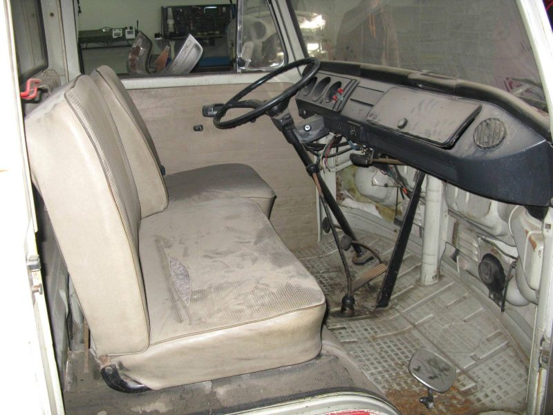 Volkswagen T2 Kombi Pickup Gazcidla 1969 White Front Seats